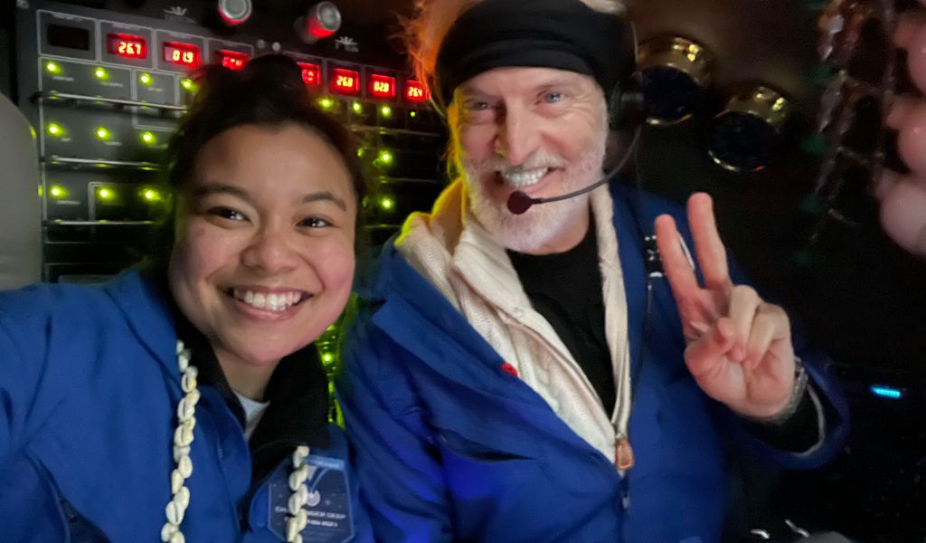 Nicole Yamese and Victor Vesover at bottom of Challenger Deep